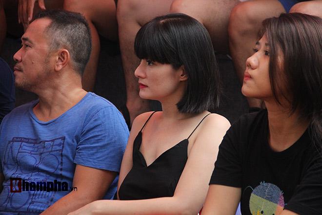 """""""Mưa knock-out"""" hút fan nữ xinh tại giải Muay Việt - 10"""