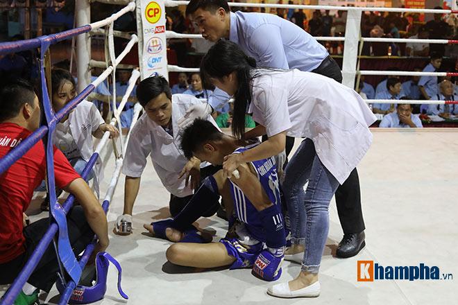"""""""Mưa knock-out"""" hút fan nữ xinh tại giải Muay Việt - 2"""