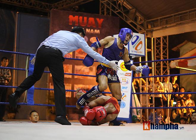 """""""Mưa knock-out"""" hút fan nữ xinh tại giải Muay Việt - 3"""
