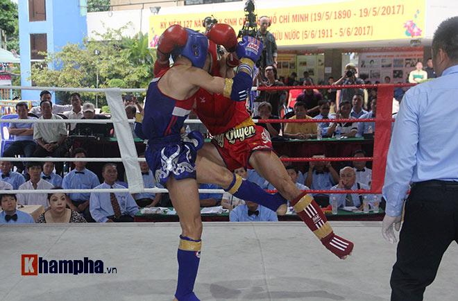 """""""Mưa knock-out"""" hút fan nữ xinh tại giải Muay Việt - 4"""