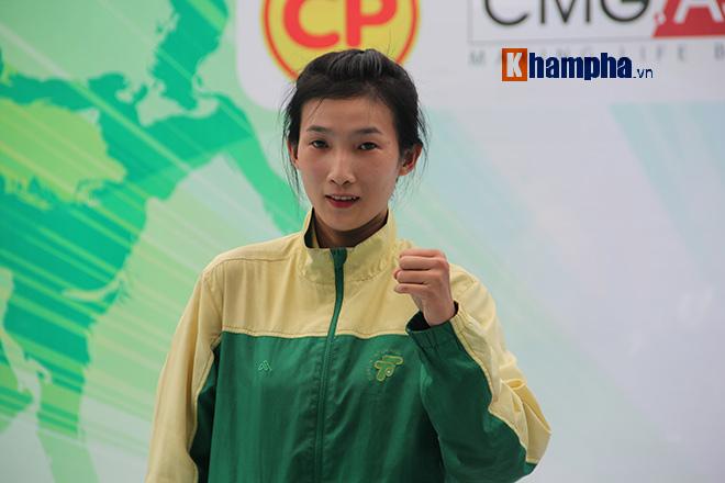 """""""Mưa knock-out"""" hút fan nữ xinh tại giải Muay Việt - 7"""
