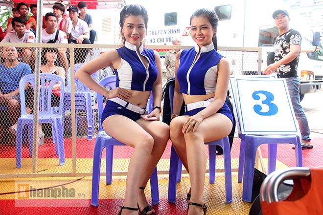 """""""Mưa knock-out"""" hút fan nữ xinh tại giải Muay Việt - 8"""
