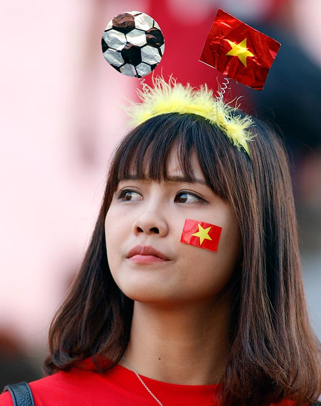"""U20 Việt Nam chia tay World Cup, CĐV nữ xinh """"ngẩn ngơ"""" - 10"""