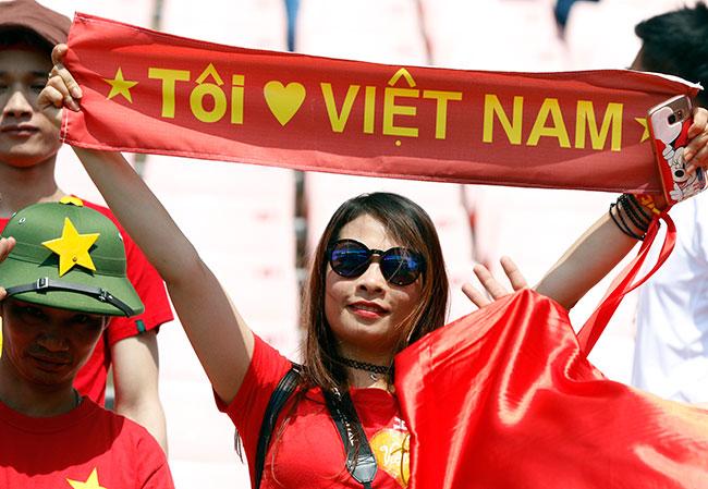 """U20 Việt Nam chia tay World Cup, CĐV nữ xinh """"ngẩn ngơ"""" - 4"""
