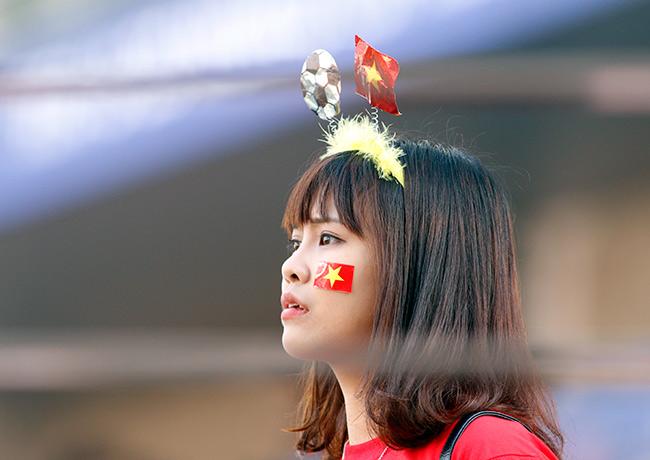 """U20 Việt Nam chia tay World Cup, CĐV nữ xinh """"ngẩn ngơ"""" - 9"""