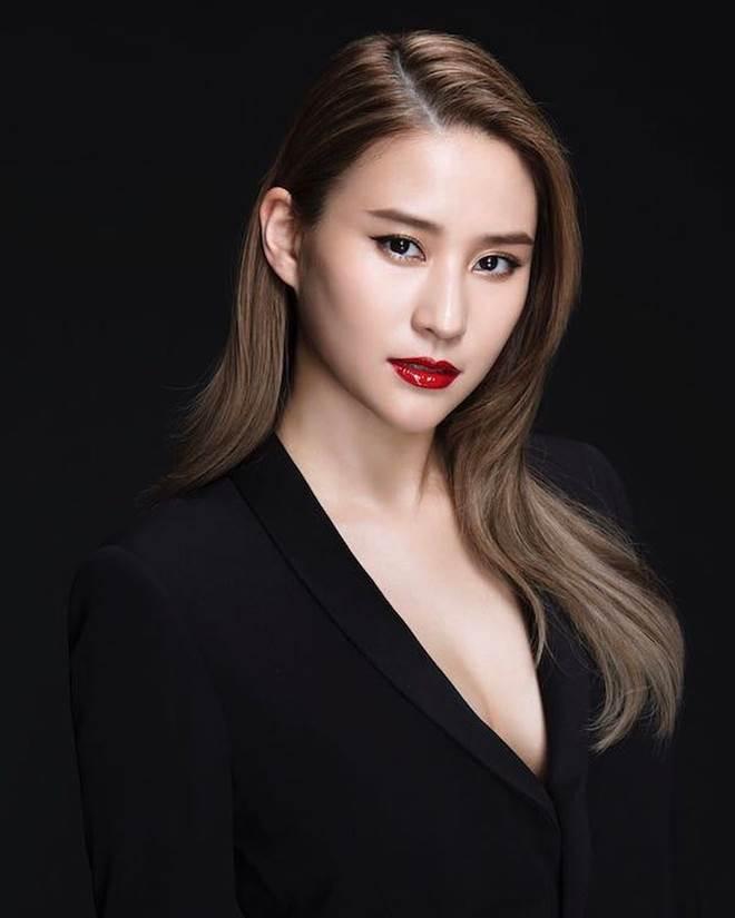 Nhan sắc cô con gái đẹp như hoa hậu của ông trùm sòng bạc Macau - 3