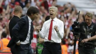 """Góc chiến thuật Arsenal–Chelsea: Wenger """"chơi liều"""" đo ván Conte"""