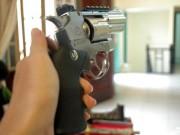 An ninh Xã hội - Bắt kẻ dùng súng gây thương tích cho người khác rồi bỏ trốn