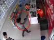 Công an lên tiếng về clip 2 người có súng cướp siêu thị điện thoại ở Bắc Ninh