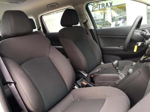 Chevrolet Orlando LT giá 639 triệu đồng tại Việt Nam - 3