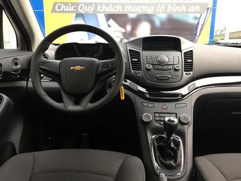 Chevrolet Orlando LT giá 639 triệu đồng tại Việt Nam - 4