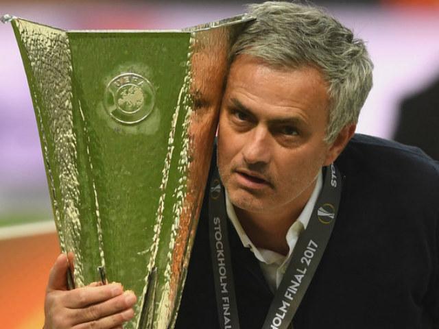 MU thống trị Europa League: Logic của Jose Mourinho