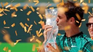 Tennis 24/7: Học Sharapova, Federer trở lại ở Stuttgart