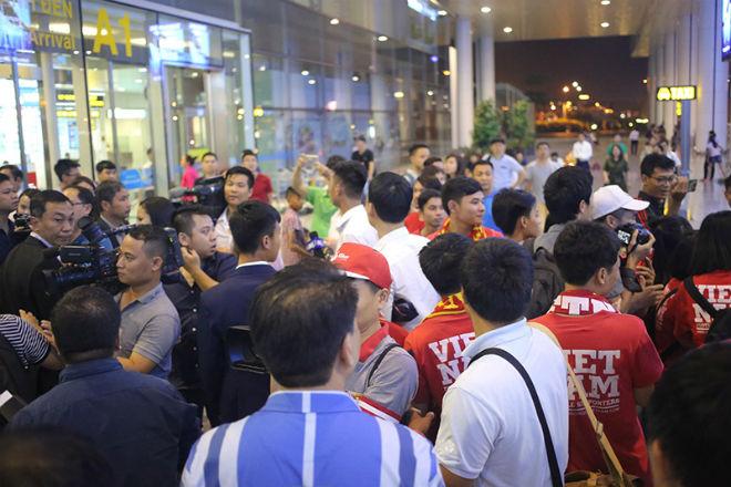 U20 Việt Nam về nước: 3 trận - 1 điểm ở World Cup, vẫn tự hào - 11