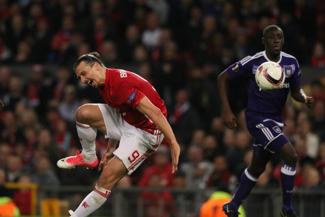 """Ibra """"bấu víu"""" MU: Không ngại dự bị vì Champions League - 2"""