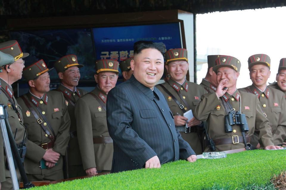 Máy bay ném bom hạt nhân Mỹ áp sát Triều Tiên suốt 2 giờ - 2