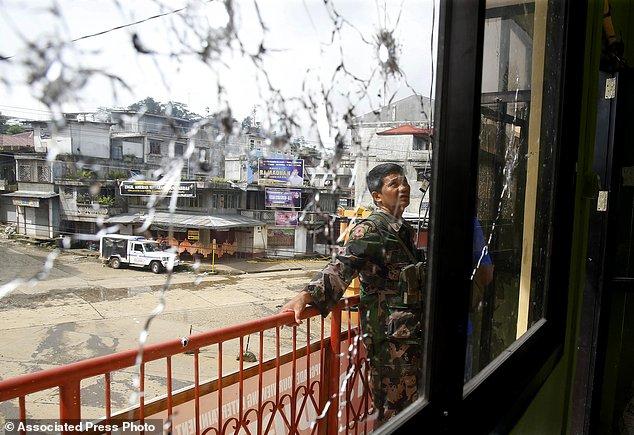 Philippines tiêu diệt nhiều lính IS người nước ngoài - 2