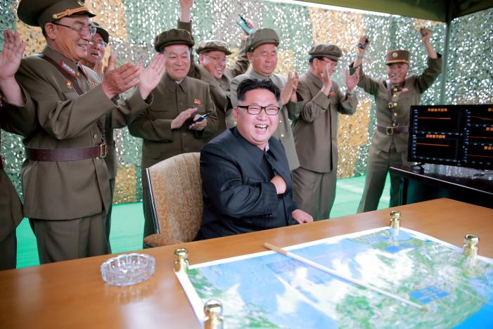 """Kim Jong-un cảnh báo gửi """"món quà lớn hơn"""" dành cho Mỹ - 1"""