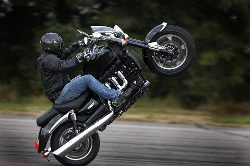 Top 19 môtô hành trình tăng tốc khủng nhất (P1) - 3