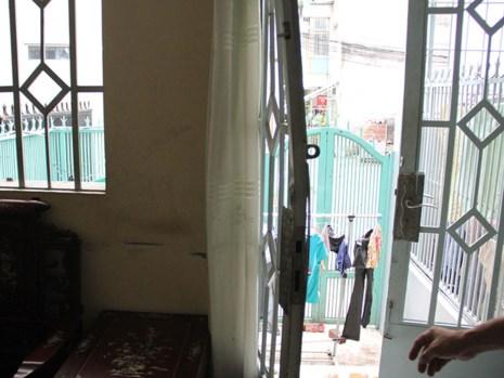 2 cụ già bị bỏng cấp cứu nghi nổ ga tủ lạnh - 2