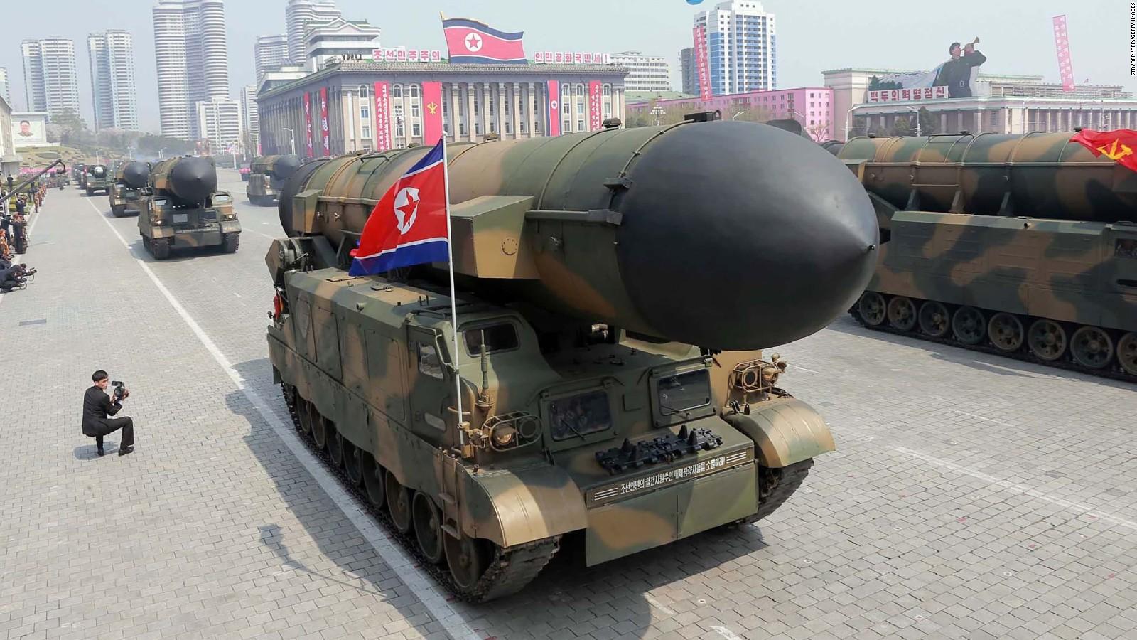 Triều Tiên tuyên bố đầu đạn tên lửa mới bắn rất chính xác - 2