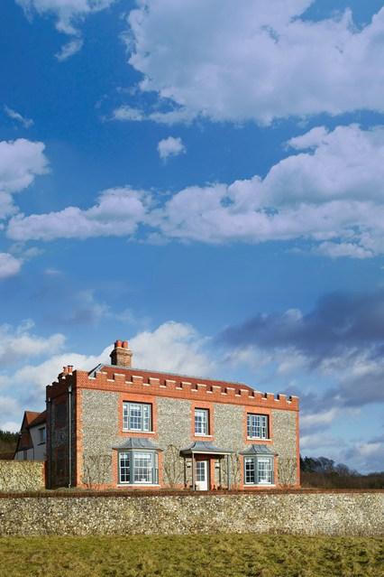 """Nhà cổ từ thế kỷ 17 """"lột xác"""" thành biệt thự đẹp miễn chê - 2"""