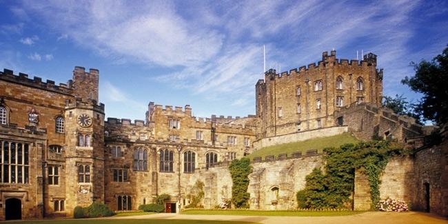 Đại học Durham là một viện đại học nghiên cứu công lập ở thành phố Durham, đông bắc Anh Quốc.