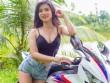 Bỏng mắt với cô nàng quyến rũ bên Honda CBR1000RR