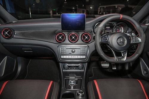 Mercedes-AMG GLA45 4Matic 2018 chốt giá 2,16 tỷ đồng - 3