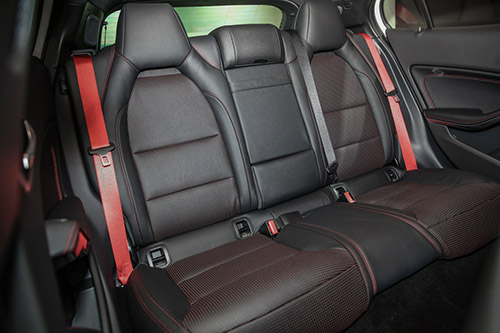 Mercedes-AMG GLA45 4Matic 2018 chốt giá 2,16 tỷ đồng - 4