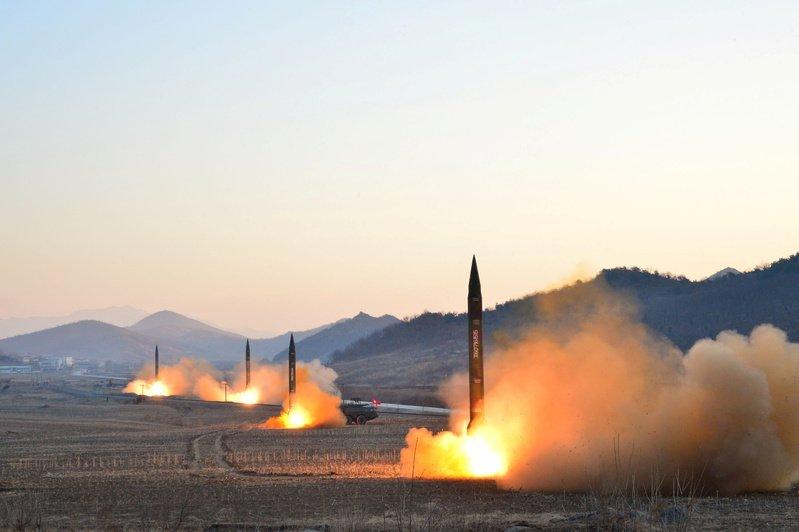 Mỹ không dễ bắn hạ tên lửa đạn đạo Triều Tiên - 1
