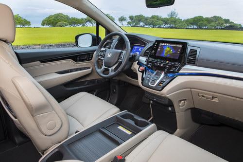 Honda Odyssey 2018 giá 701 triệu đồng phục vụ gia đình - 3