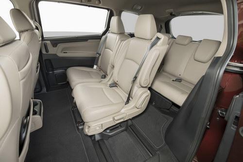 Honda Odyssey 2018 giá 701 triệu đồng phục vụ gia đình - 4