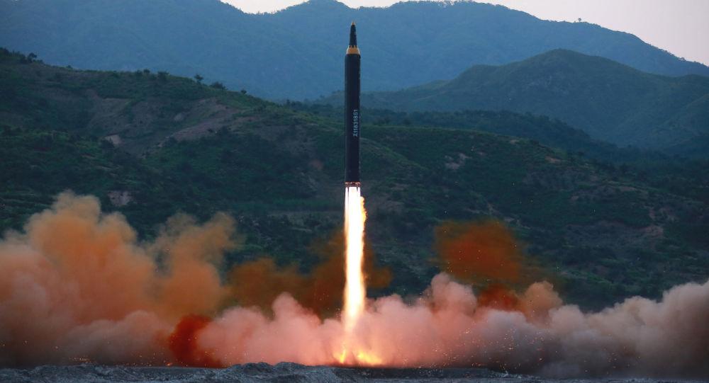 Chuyên gia nói về khả năng tên lửa Triều Tiên bay tới Mỹ - 1