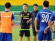 Vì sao HLV Hoàng Anh Tuấn không có tên ở tuyển Việt Nam?