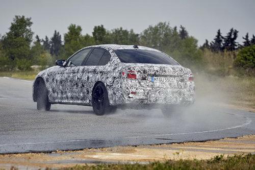 BMW M5 thế hệ mới lộ diện với nhiều cải tiến - 2
