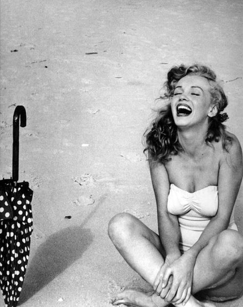 Hé lộ cách Marilyn Monroe gìn gữ nhan sắc huyền thoại - 2