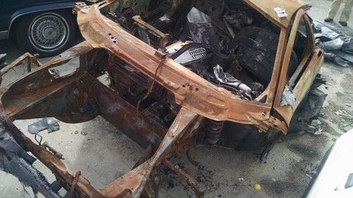 """Siêu xe Murcielago """"trơ khung"""" được bán giá 345 triệu đồng - 6"""