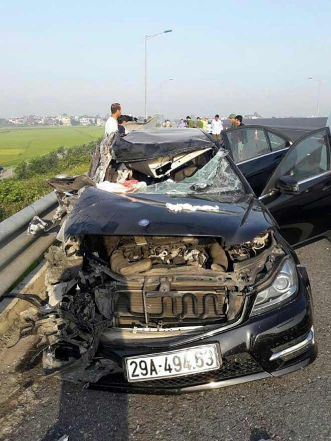 Bắt tài xế xe Mercedes vụ tai nạn 3 người tử vong trên cao tốc - 1