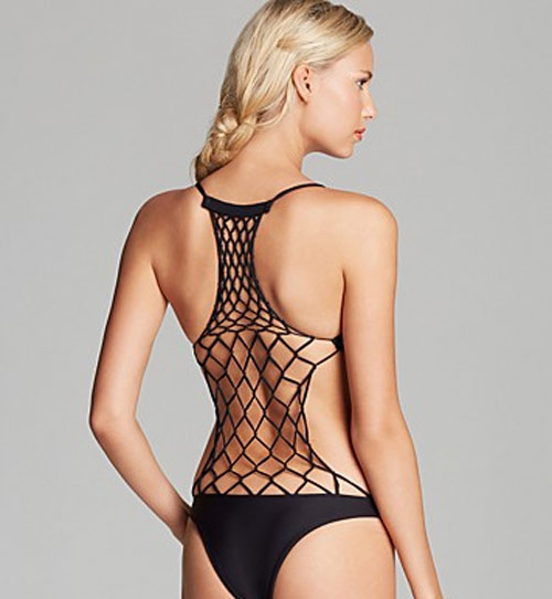 Bikini khoét xẻ hiểm hóc được chị em thích nhất hè này - 7