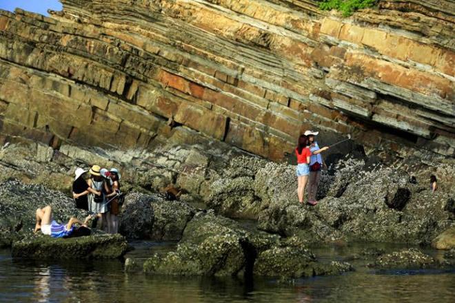 Bãi đá Móng Rồng - thung lũng tình yêu trên đảo Cô Tô - 8