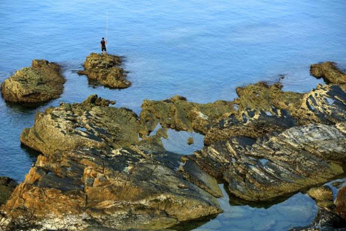 Bãi đá Móng Rồng - thung lũng tình yêu trên đảo Cô Tô - 3