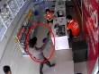 Lộ diện 2 thanh niên dùng súng cướp cửa hàng điện thoại