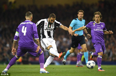 """Chi tiết Real Madrid - Juventus: """"Thần đồng"""" khóa sổ (KT) - 4"""