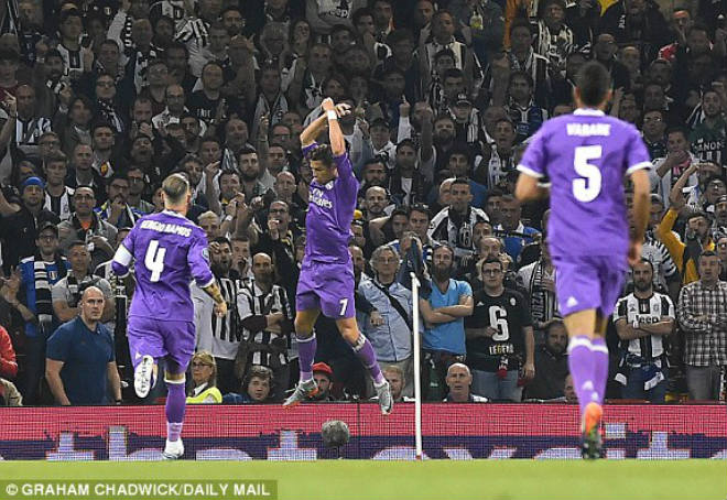 Ảnh: Real - Ronaldo phá bỏ lời nguyền, vinh danh sử sách - 3