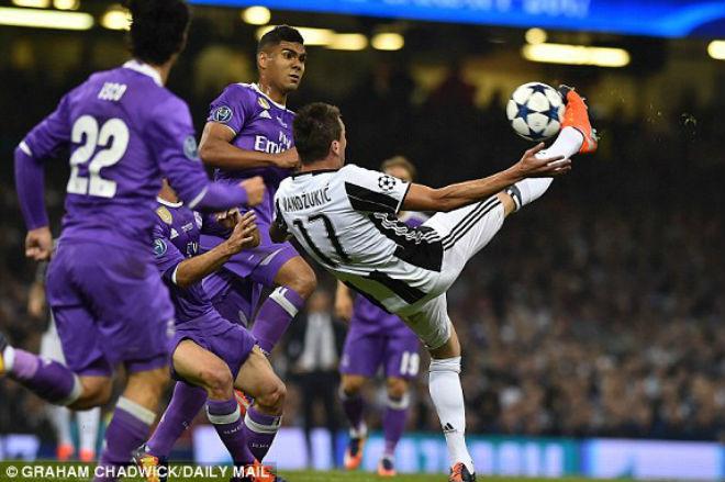 Ảnh: Real - Ronaldo phá bỏ lời nguyền, vinh danh sử sách - 4