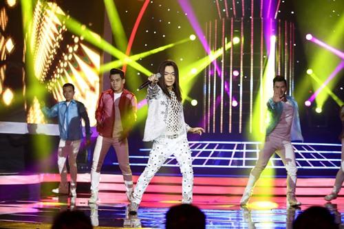 """Minh Thuận """"trở về"""" trên sân khấu khiến Hoài Linh xúc động - 1"""