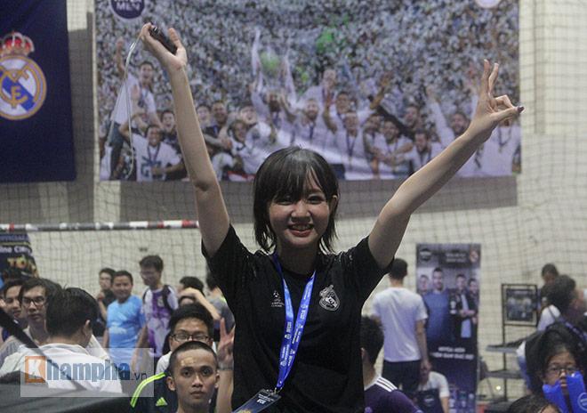 """Người đẹp """"quẩy"""" hết mình mừng Real Madrid lên đỉnh cúp C1 - 13"""