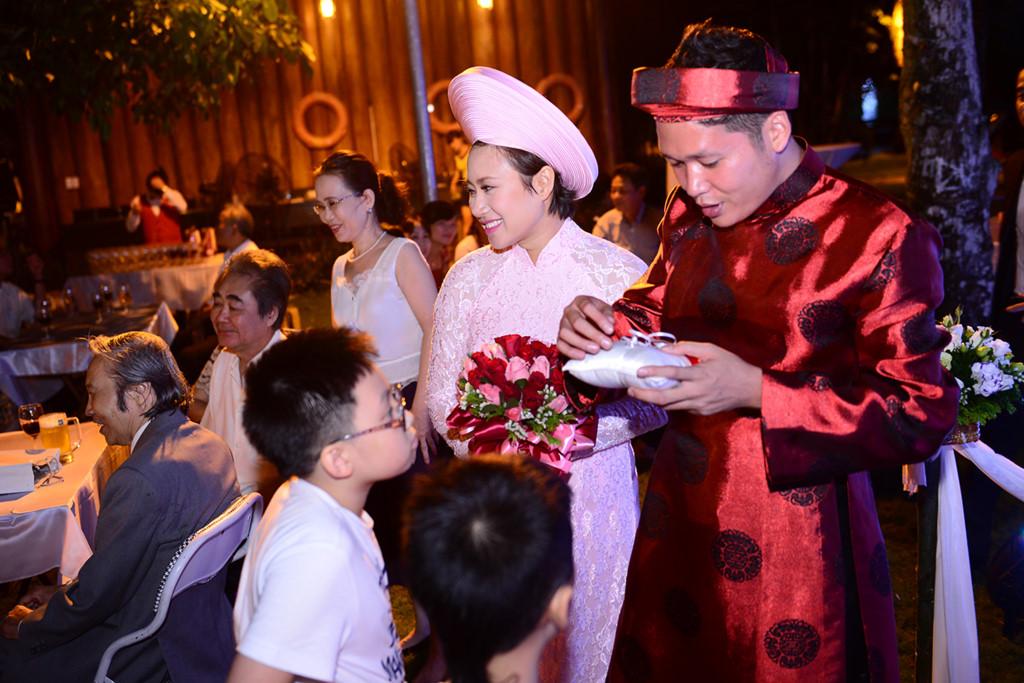 Bất ngờ cách bố dượng đối xử với con riêng của Jennifer Phạm, Kim Cương - 12