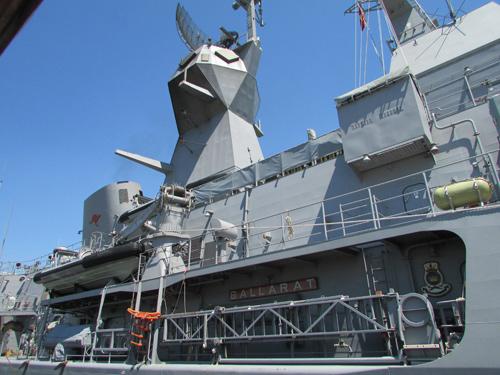 Tàu trang bị tên lửa của Australia cập cảng Tiên Sa - 3